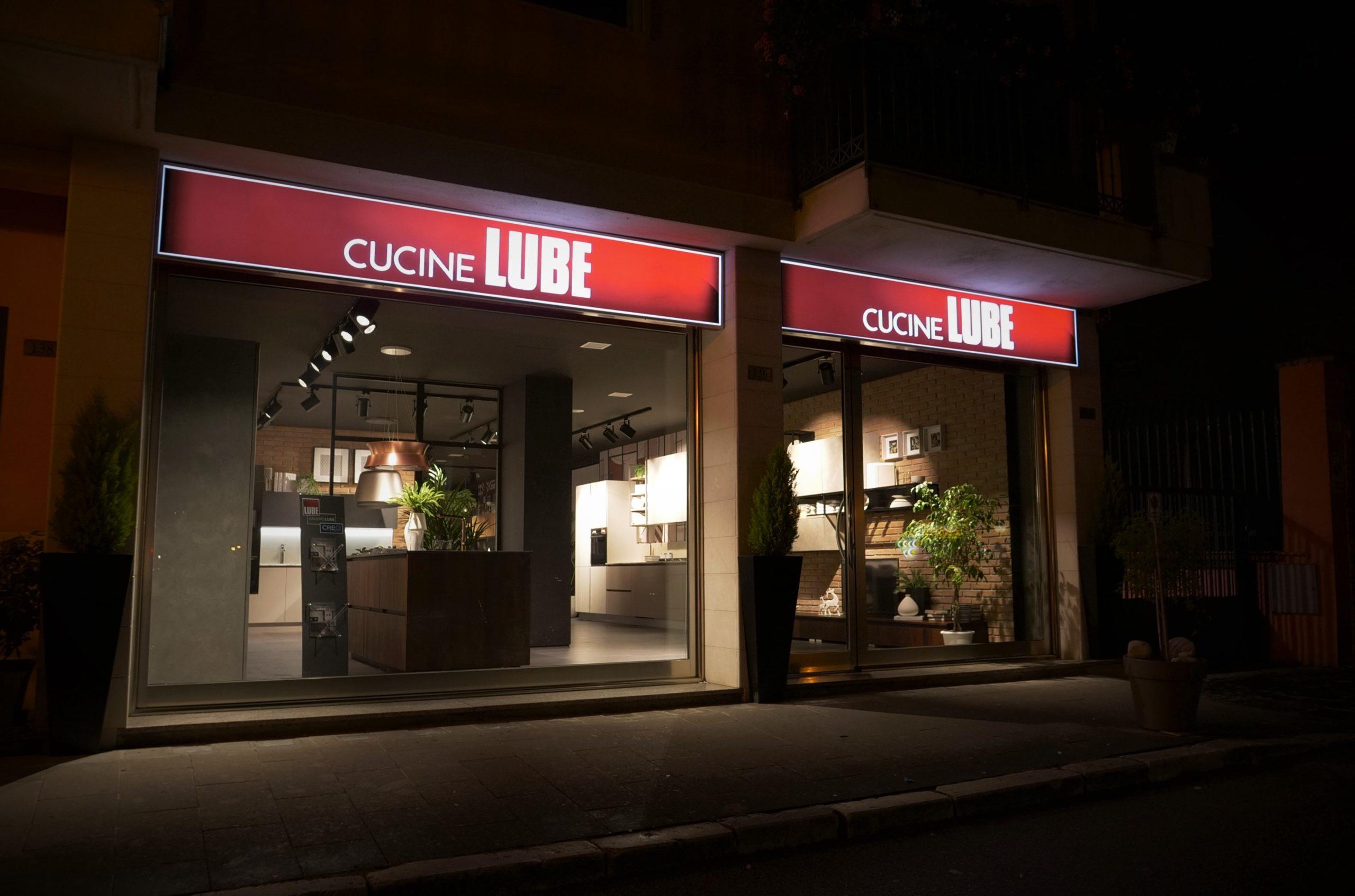 Showroom di Lube store san Giorgio del Sannio